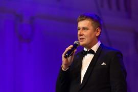 Všechny účastníky slavnostního večera svým proslovem přivítal ministr zahraničních věcí ČR Tomáš Petříček
