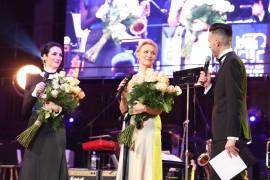 Ambasádorky charity Česko-Slovenkśho plesu. Pre SR Lucia Hablovičová a pre ČR Martina Šmuková